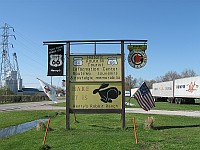 USA - Staunton IL - Henry's Rabbit Ranch Sign (11 Apr 2009)